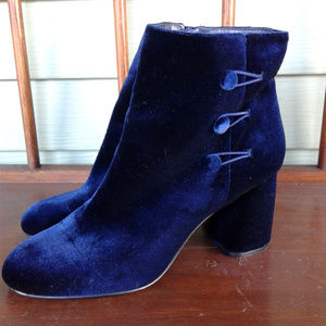 Nine west velvet blue color boots sz 10M